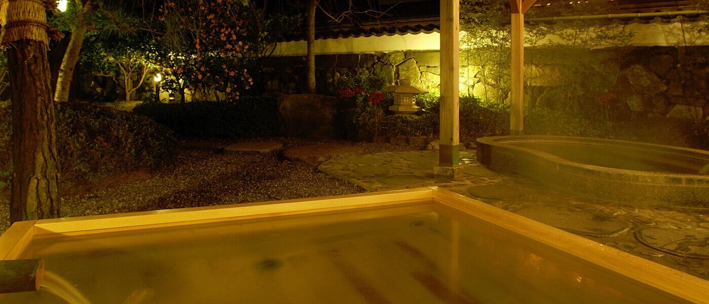 白壁の湯[大浴場]露天風呂   山口県萩市 北門屋敷